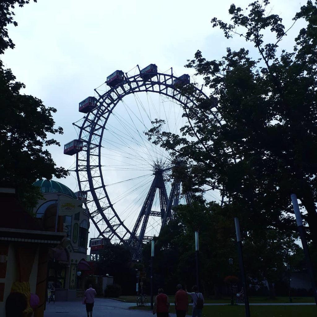 Das Riesenrad im Prater im Sommer...
